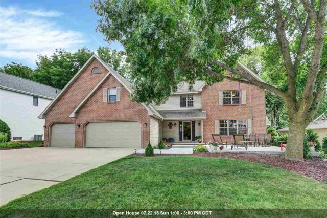 2752 Woodland Hills Court, Green Bay, WI 54311 (#50187957) :: Todd Wiese Homeselling System, Inc.