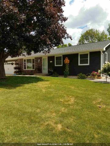 1126 David Lane, Green Bay, WI 54313 (#50188032) :: Todd Wiese Homeselling System, Inc.