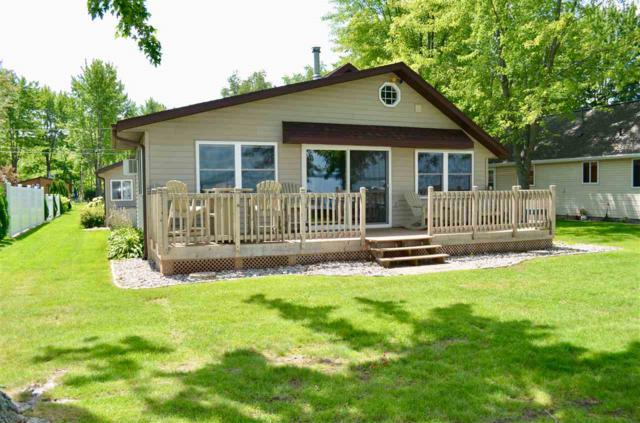 W5828 Cedar Avenue, Shawano, WI 54166 (#50188902) :: Dallaire Realty