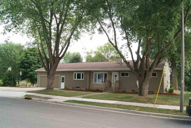 121 Monroe Street, Brillion, WI 54110 (#50190407) :: Symes Realty, LLC
