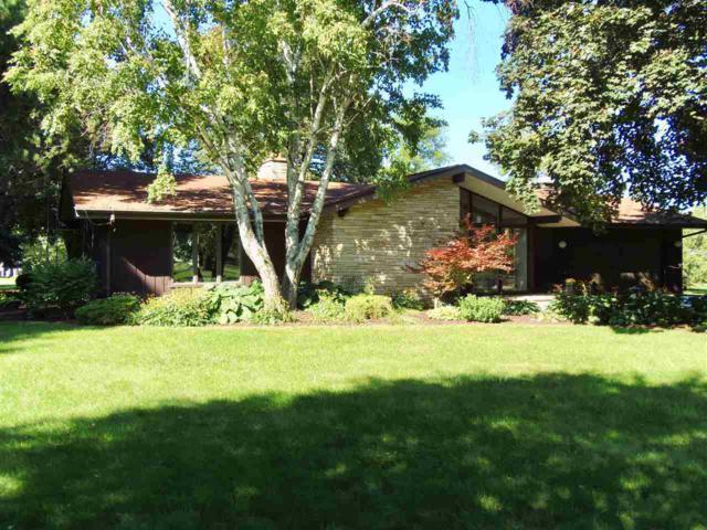 60 Sunnyhill Avenue, Oshkosh, WI 54902 (#50191306) :: Symes Realty, LLC