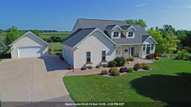 7573 Sunburst Lane, Neenah, WI 54956 (#50191499) :: Symes Realty, LLC