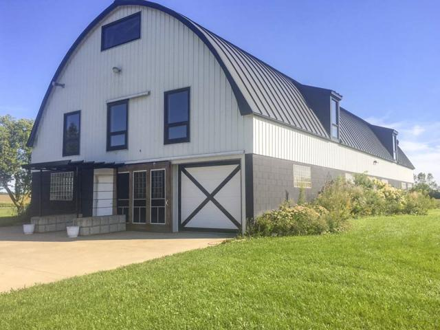 5332 Dickinson Road, De Pere, WI 54115 (#50191552) :: Todd Wiese Homeselling System, Inc.