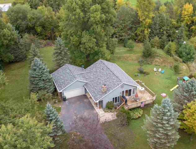5960 Indian Shores Road, Winneconne, WI 54986 (#50191856) :: Dallaire Realty