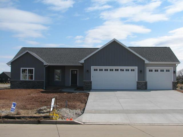 1101 Pats Drive, Kimberly, WI 54136 (#50192636) :: Dallaire Realty