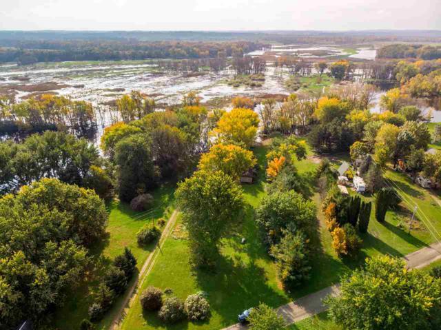 W2753 Fox River Shores W, Berlin, WI 54923 (#50193013) :: Symes Realty, LLC