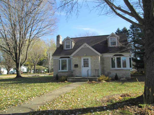 1030 S Park Street, Shawano, WI 54166 (#50194097) :: Todd Wiese Homeselling System, Inc.