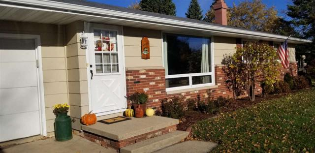1556 Orchid Lane, Green Bay, WI 54313 (#50194218) :: Todd Wiese Homeselling System, Inc.