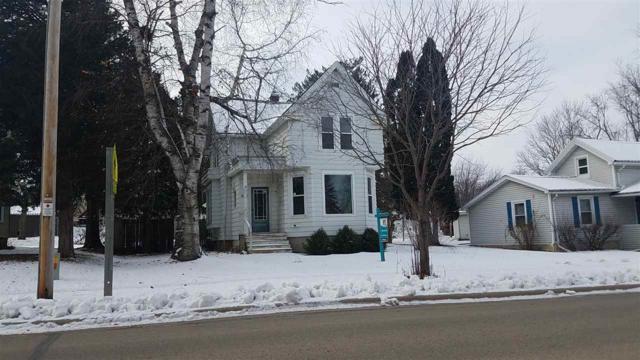 552 Metomen Street, Ripon, WI 54971 (#50194226) :: Todd Wiese Homeselling System, Inc.