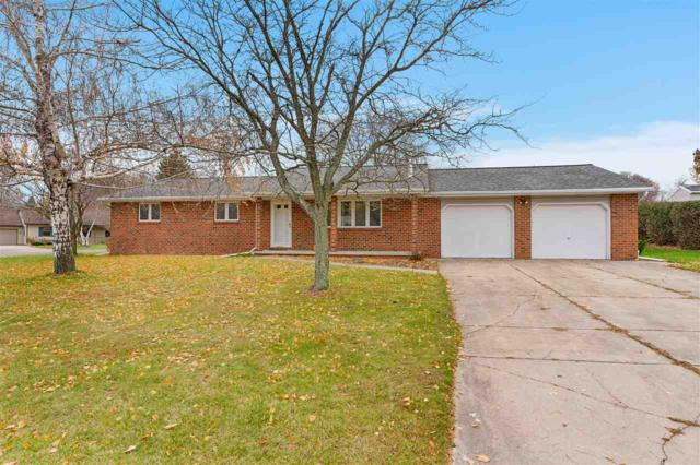 1135 David Lane, Green Bay, WI 54313 (#50194359) :: Todd Wiese Homeselling System, Inc.