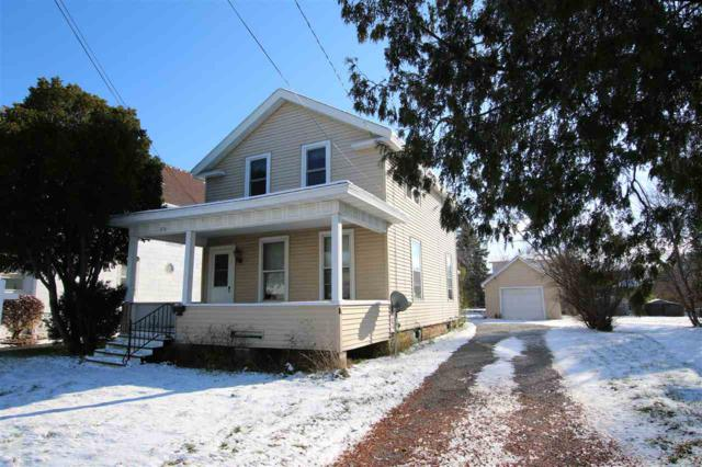 417 W 10TH Avenue, Oshkosh, WI 54902 (#50194468) :: Todd Wiese Homeselling System, Inc.