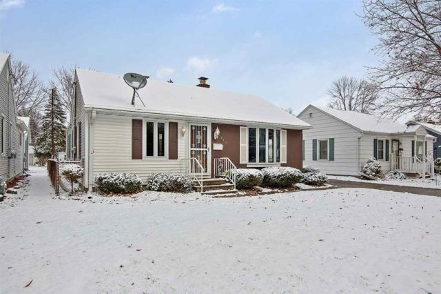 910 Liberty Street, Green Bay, WI 54304 (#50194570) :: Todd Wiese Homeselling System, Inc.