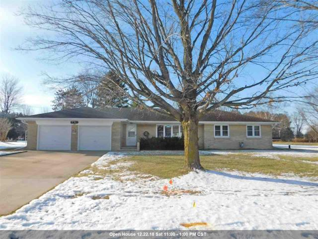 4301 Shawano Avenue, Green Bay, WI 54313 (#50195799) :: Dallaire Realty