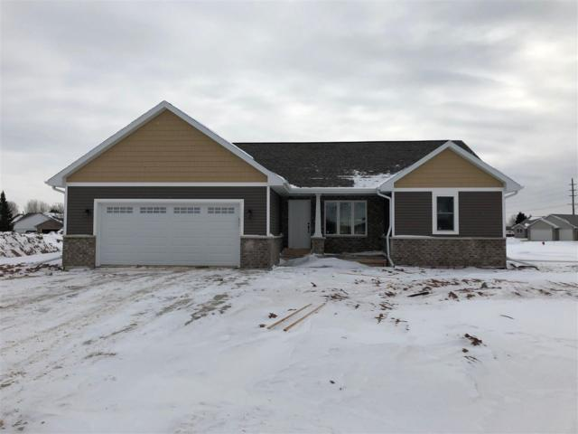530 Dogwood Court, New London, WI 54961 (#50196108) :: Todd Wiese Homeselling System, Inc.