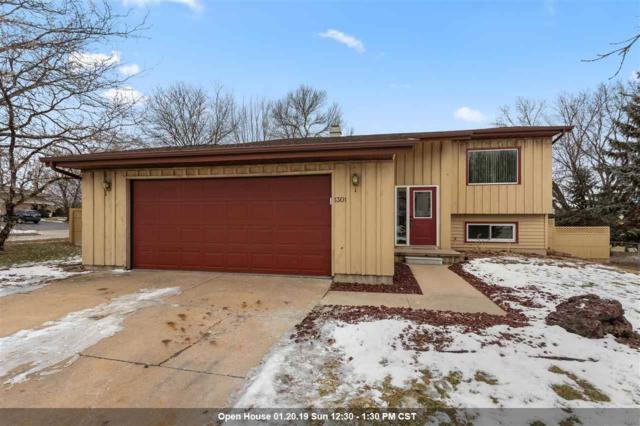 1301 W Edmund Drive, Appleton, WI 54914 (#50196663) :: Todd Wiese Homeselling System, Inc.
