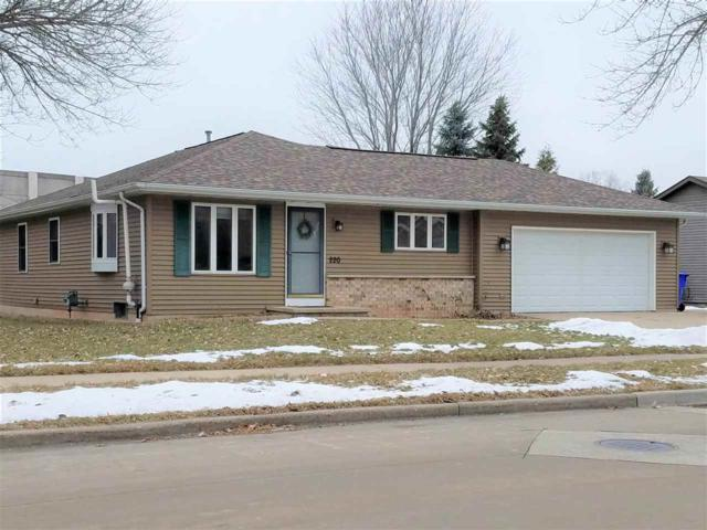 220 E James Street, Appleton, WI 54915 (#50196703) :: Todd Wiese Homeselling System, Inc.