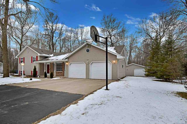 2479 Woodington Way, Suamico, WI 54173 (#50196761) :: Dallaire Realty