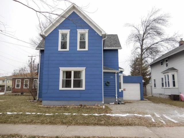 224 W Pacific Street, Appleton, WI 54914 (#50196800) :: Todd Wiese Homeselling System, Inc.