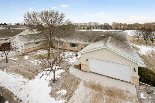1514 River Pines Drive, Green Bay, WI 54311 (#50196830) :: Todd Wiese Homeselling System, Inc.