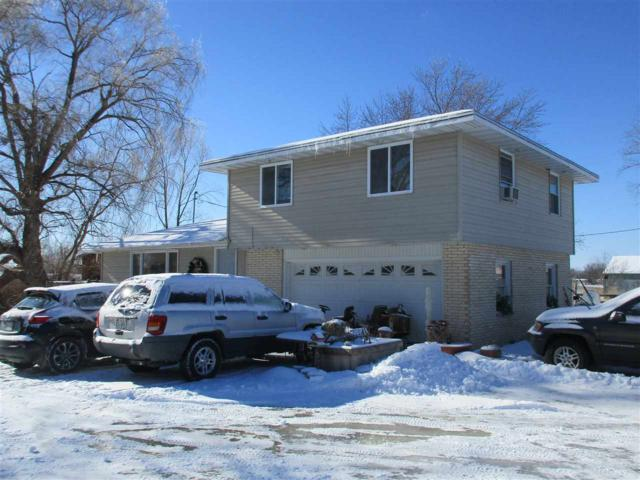 1378 Lime Kiln Road, Green Bay, WI 54311 (#50196906) :: Todd Wiese Homeselling System, Inc.