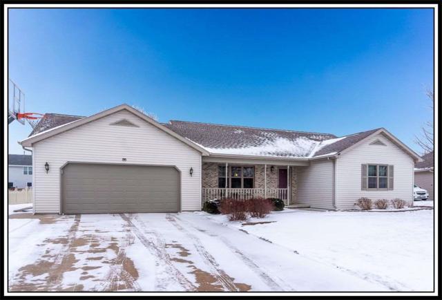 N9155 Mountainash Lane, Appleton, WI 54915 (#50197044) :: Todd Wiese Homeselling System, Inc.