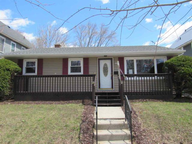 923 S 26TH Street, Manitowoc, WI 54220 (#50197222) :: Dallaire Realty