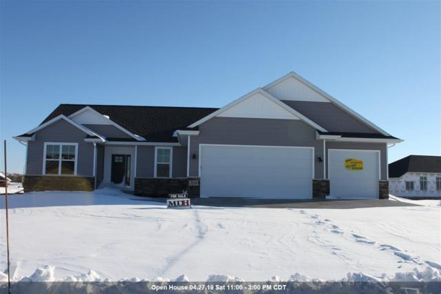 1123 Applewood Drive, De Pere, WI 54115 (#50197313) :: Todd Wiese Homeselling System, Inc.