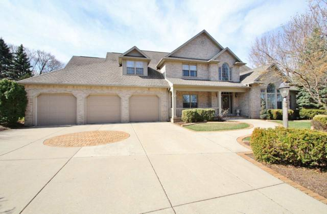 305 Braebourne Court, Green Bay, WI 54301 (#50197364) :: Todd Wiese Homeselling System, Inc.