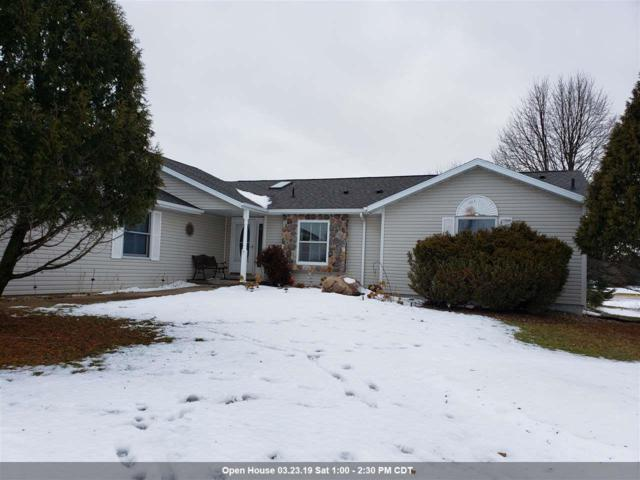 1526 Foxfire Court, Waupaca, WI 54981 (#50197519) :: Todd Wiese Homeselling System, Inc.