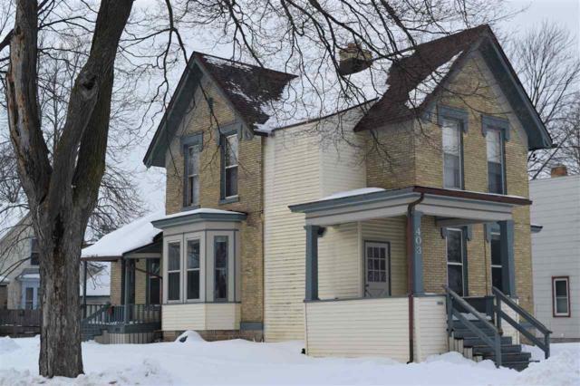 403 N Bennett Street, Appleton, WI 54914 (#50197831) :: Todd Wiese Homeselling System, Inc.