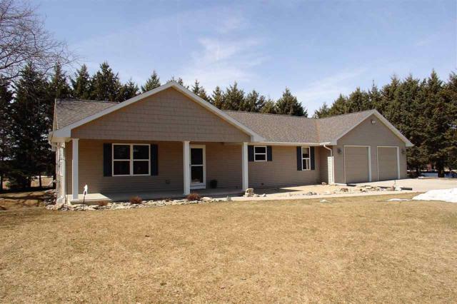 W3961 Wege Road, Appleton, WI 54913 (#50198928) :: Todd Wiese Homeselling System, Inc.