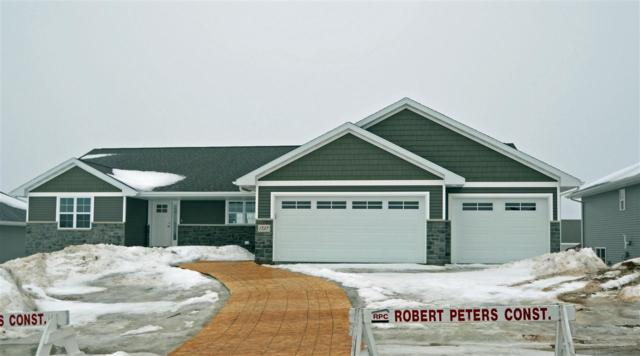 1737 Steiner Lane, Green Bay, WI 54313 (#50199128) :: Todd Wiese Homeselling System, Inc.