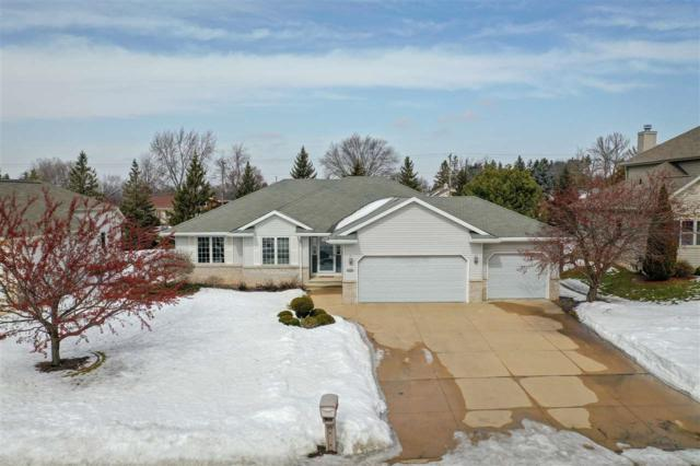 1204 W Cottonwood Court, Appleton, WI 54914 (#50199160) :: Todd Wiese Homeselling System, Inc.