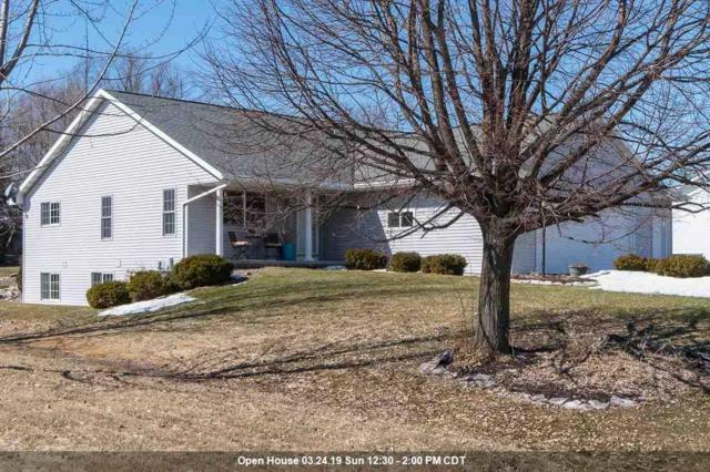 N2351 Weatherhill Court, Greenville, WI 54942 (#50199441) :: Dallaire Realty