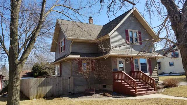 226 S Main Street, Brillion, WI 54110 (#50199507) :: Dallaire Realty