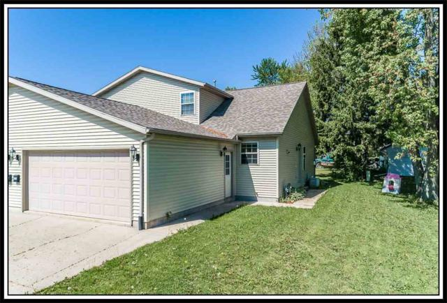 905 Ridgeway Drive, New London, WI 54961 (#50200302) :: Symes Realty, LLC