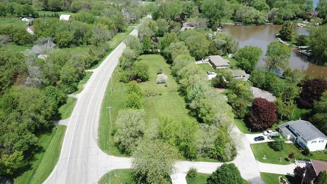 E Elm Lane, Oshkosh, WI 54902 (#50200594) :: Carolyn Stark Real Estate Team