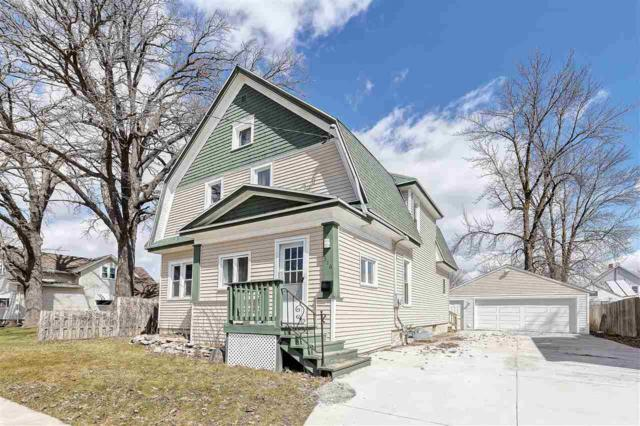 316 Taylor Street, Kaukauna, WI 54130 (#50200618) :: Todd Wiese Homeselling System, Inc.