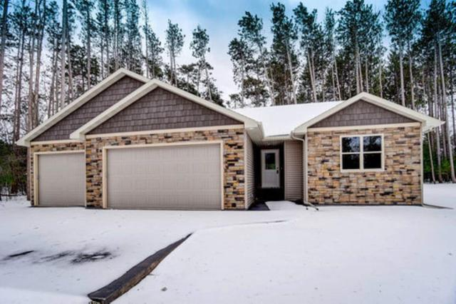 E2581 Pine Court, Waupaca, WI 54981 (#50200717) :: Todd Wiese Homeselling System, Inc.