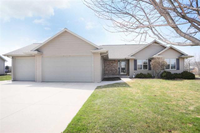 2315 Olde Country Circle, Kaukauna, WI 54130 (#50200803) :: Todd Wiese Homeselling System, Inc.