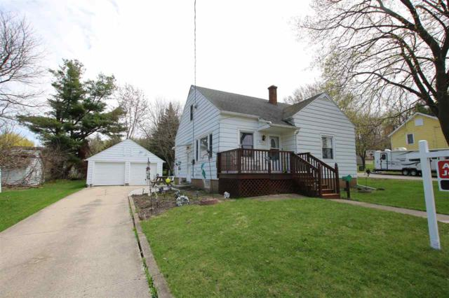 211 Locust Street, Ripon, WI 54971 (#50201845) :: Todd Wiese Homeselling System, Inc.