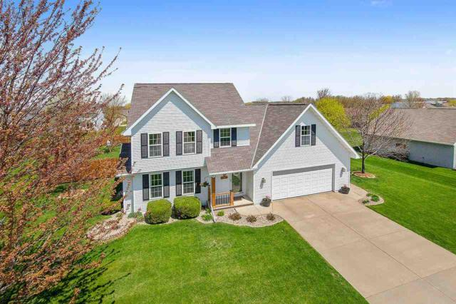 W5426 White Clover Circle, Appleton, WI 54915 (#50202851) :: Dallaire Realty