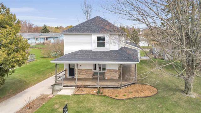 318 N 4TH Street, Algoma, WI 54201 (#50202881) :: Todd Wiese Homeselling System, Inc.