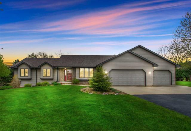 2682 Stonegate Drive, Green Bay, WI 54313 (#50202927) :: Dallaire Realty