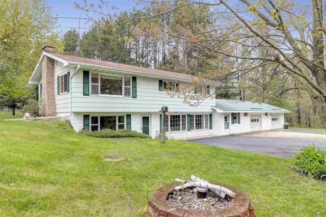 N3934 Hwy Q, Waupaca, WI 54981 (#50203040) :: Todd Wiese Homeselling System, Inc.