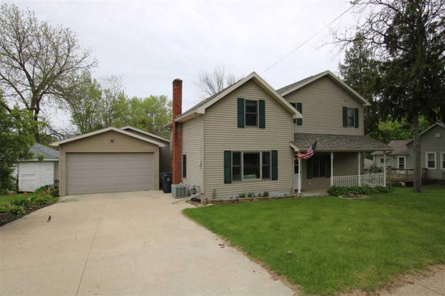 327 E Park Avenue, Berlin, WI 54923 (#50203132) :: Todd Wiese Homeselling System, Inc.