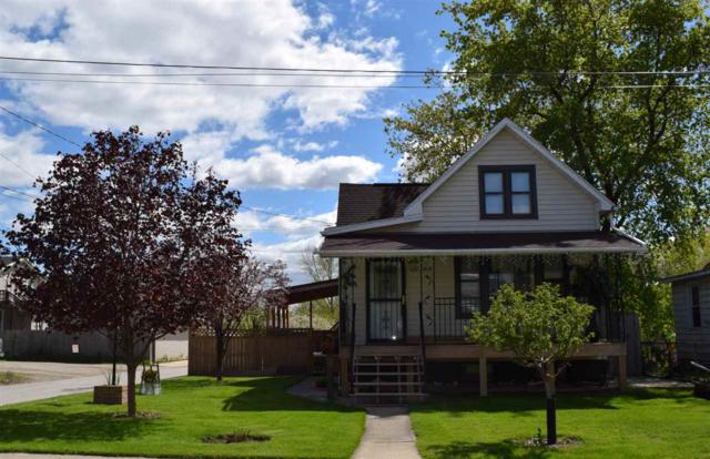 819 School Place, Green Bay, WI 54303 (#50203188) :: Dallaire Realty