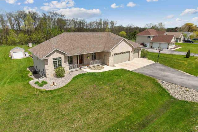 5802 Creek Crest Lane, Little Suamico, WI 54141 (#50203304) :: Todd Wiese Homeselling System, Inc.