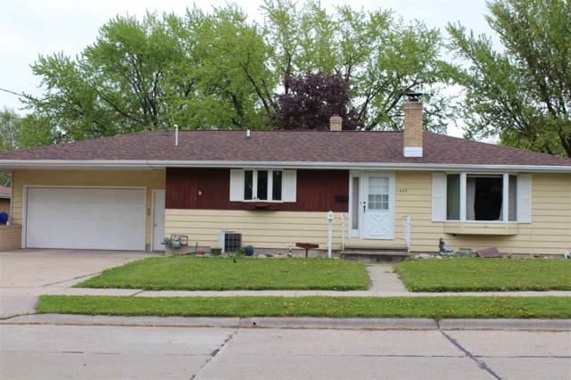1504 Glenview Avenue, Kaukauna, WI 54130 (#50203571) :: Todd Wiese Homeselling System, Inc.