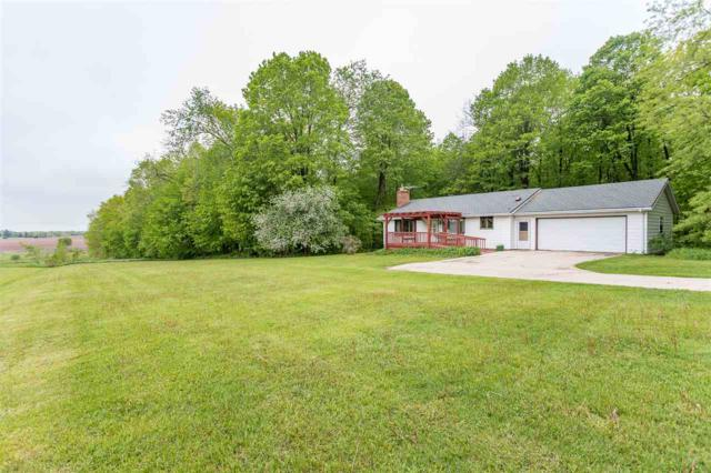 W9145 School Road, Hortonville, WI 54944 (#50203764) :: Todd Wiese Homeselling System, Inc.